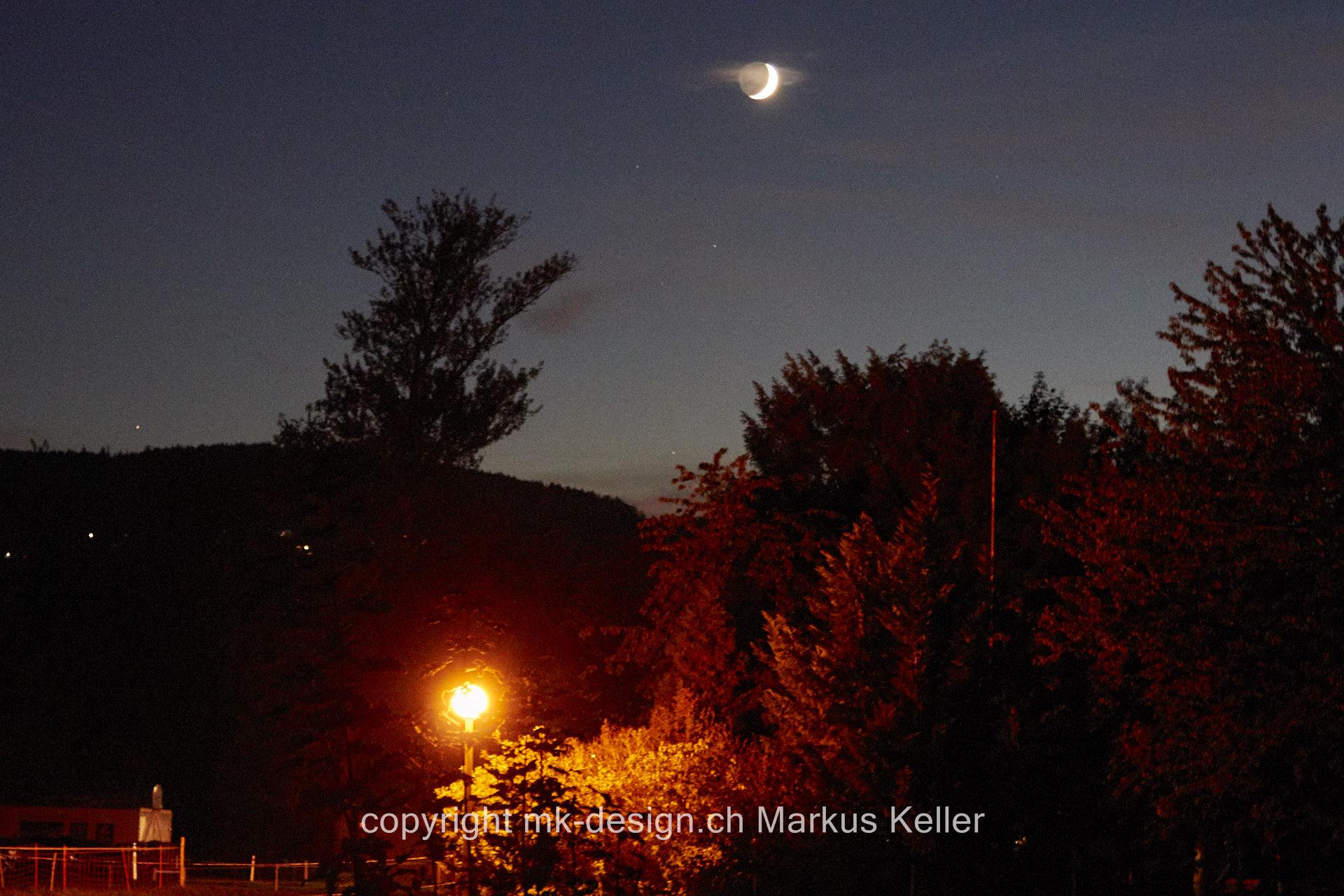 Sonne   Sonnenuntergang   Mond   Sichelmond