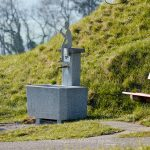 Bauwerk   Brunnen   Stilleben   Tafeln und Namen
