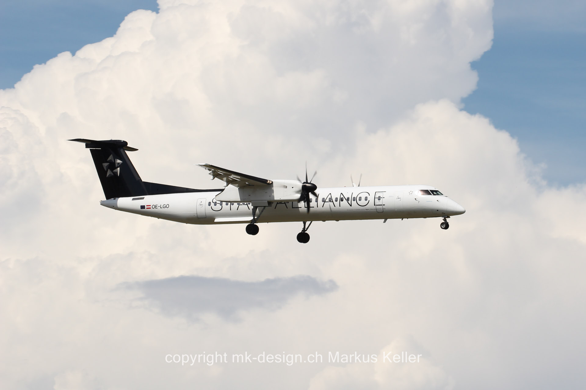 Flugzeug   Bombardier Dash 8 Q400